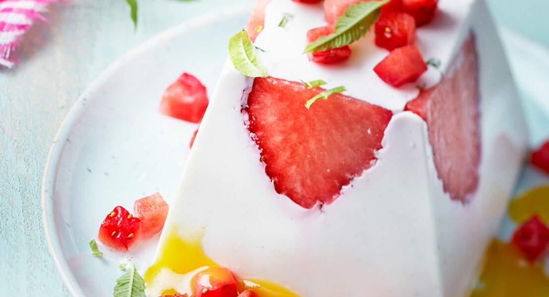 Panna cotta de Chavroux aux fraises, à la verveine et coulis de mangue
