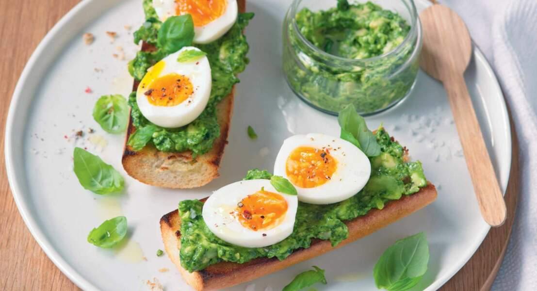 Tartine d'œuf mollet au pesto d'avocat