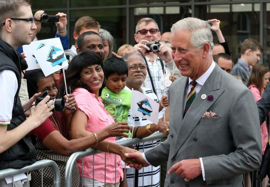 Le prince Charles, tranquille, dans la journée