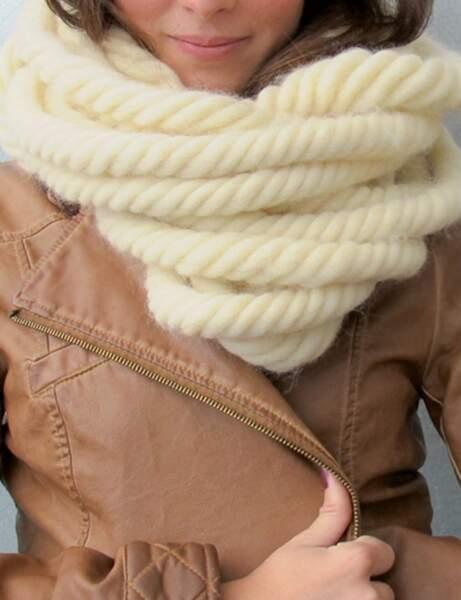 Modèle de tricot gratuit : le snood XL en écheveau