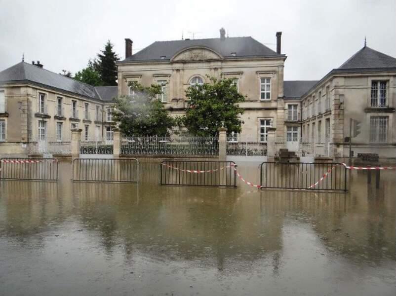 Bottes de rigueur dans la préfecture du Loiret
