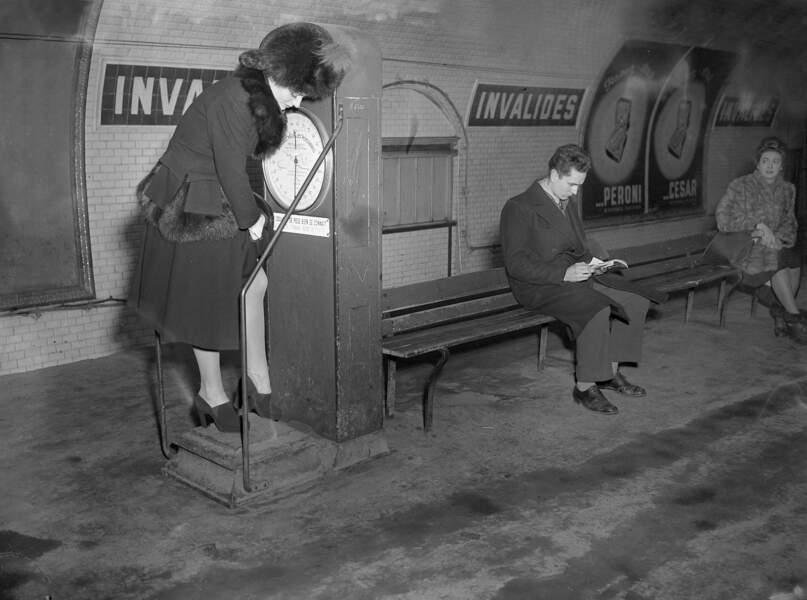 Balance dans le métro, janvier 1947.