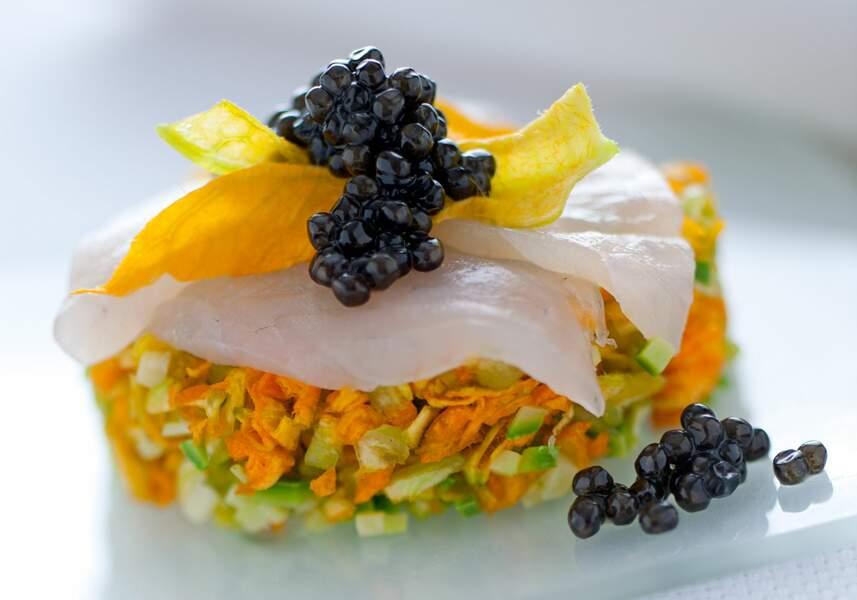 Tartare de courgettes et leur fleur, à l'esturgeon et au caviar