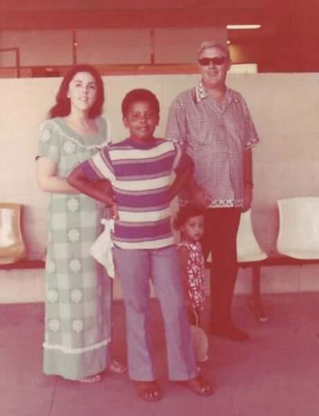 Ann, Barack,et Stanley, le grand père de Barack Obama, dans les années 70.
