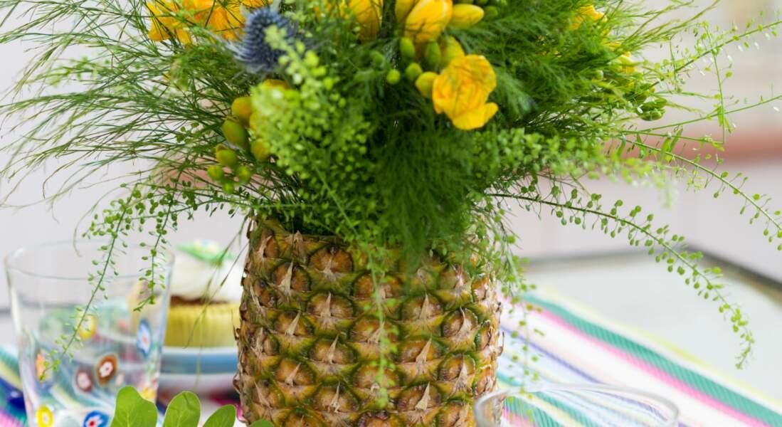 Un vase en ananas