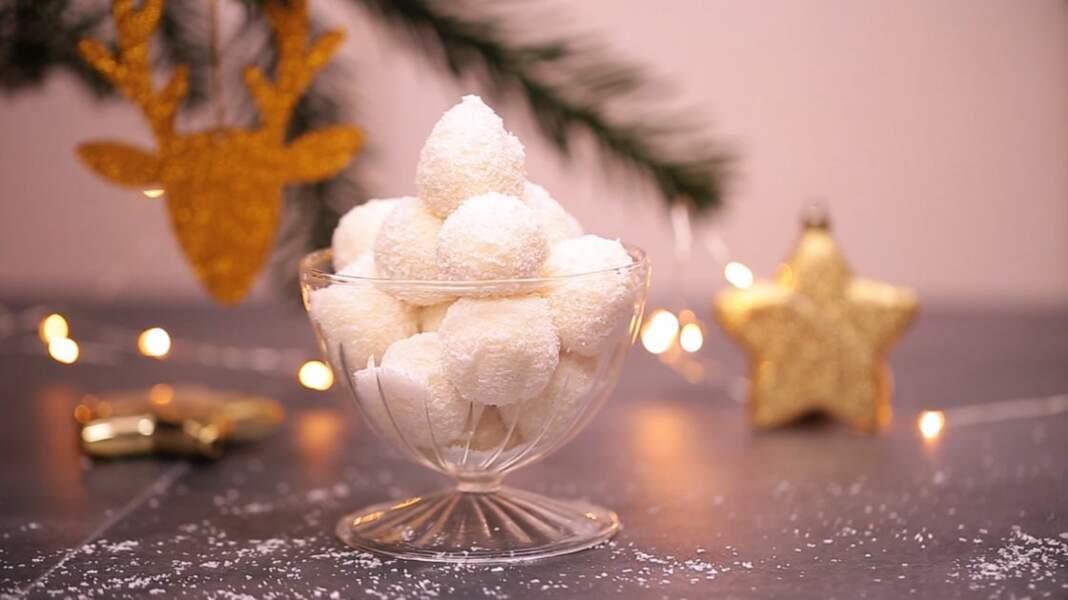 Originales et faciles, des truffes à la noix de coco pour Noël