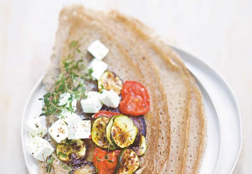 Galette de sarrasin aux légumes d'été confits et à la feta