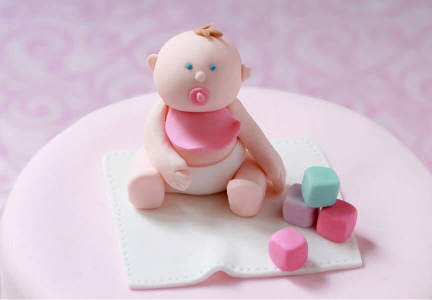 Un bébé en pâte à sucre