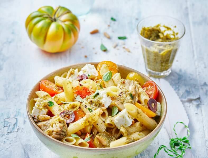 Salade de penne, tomates et artichauts