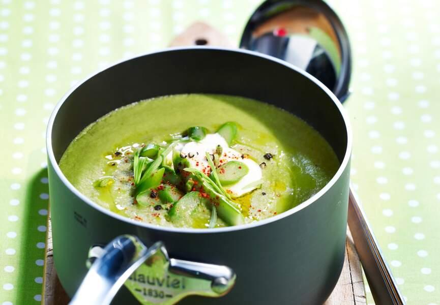 Soupe d'asperges à la mozzarella