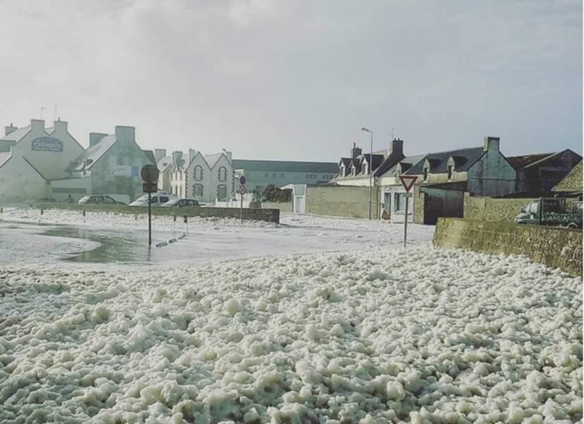 Neige d'écume sur Le Guilvinec (Finistère)