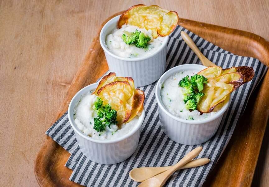 Petites crèmes aux deux choux, croustillants de pomme de terre et Raclette RichesMonts