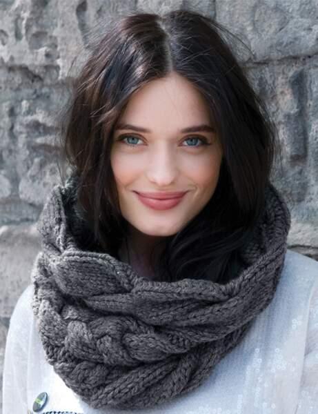 Modèle de tricot gratuit : le snood XL à torsades