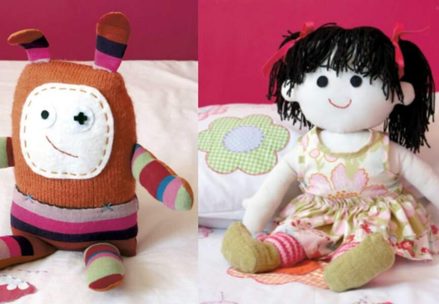 Un drôle de doudou et une poupée rigolote