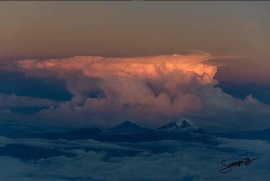 Menace sur le volcan équatorien Chimborazo, qui culmine à plus de 6 263 mètres