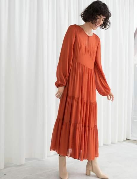 Tendance orange : la robe longue
