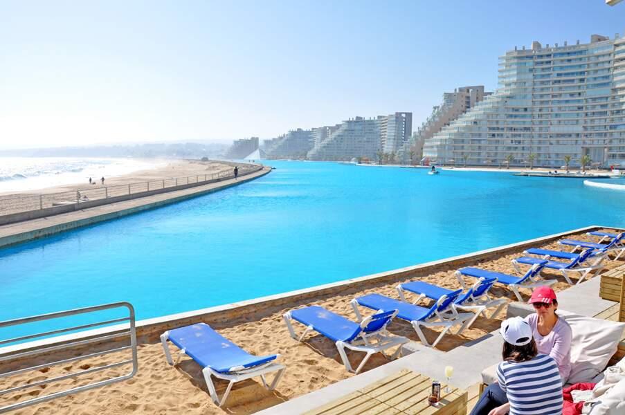 La plus grande piscine du monde...