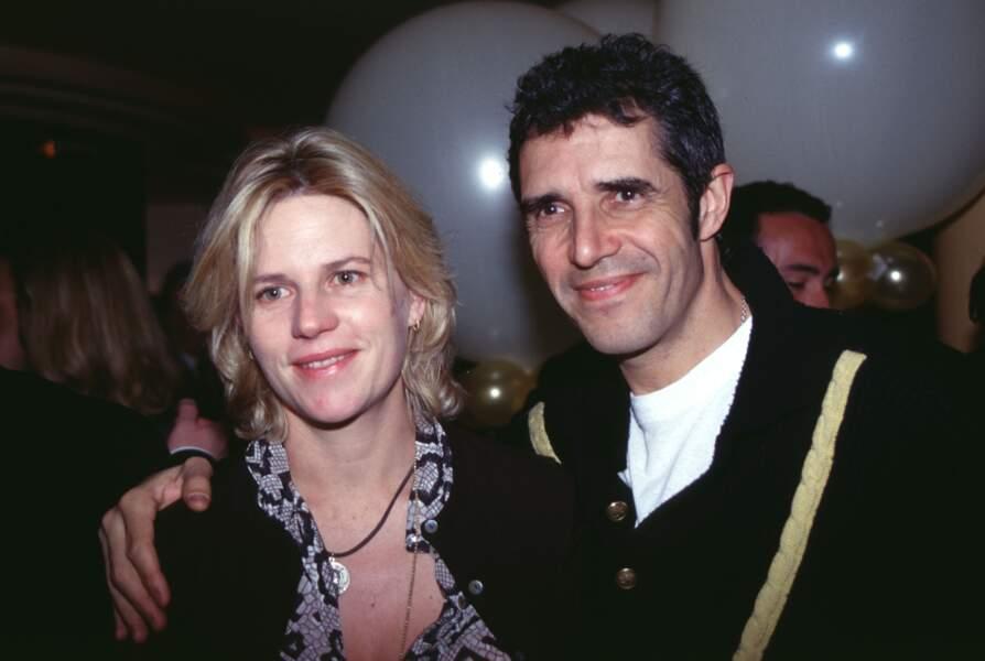 ...le couple se sépare en 2002.