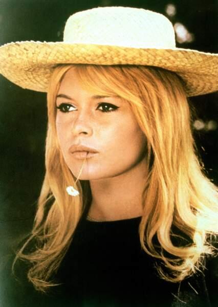 La coupe baby doll de Brigitte Bardot