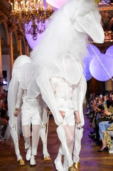 Les WTF de la fashion week : la combinaison licorne