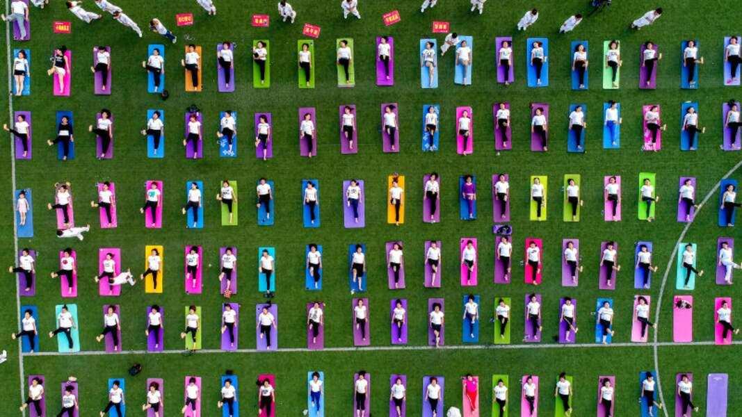 Yoga Day : des milliers d'adeptes réunis pour célébrer le yoga