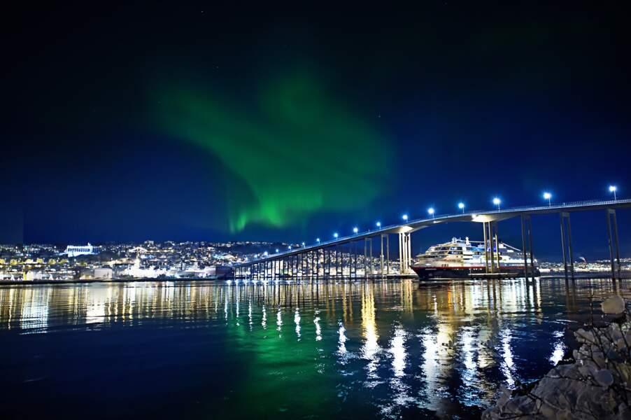 Même les éclairages des villes ne ternissent pas la magie