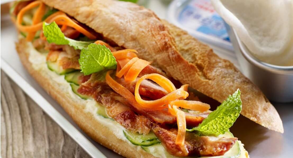 Sandwich vietnamien au porc laqué