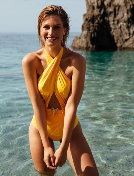 Tendance maillot de bain 2018 : le une pièce fun en jaune flashy