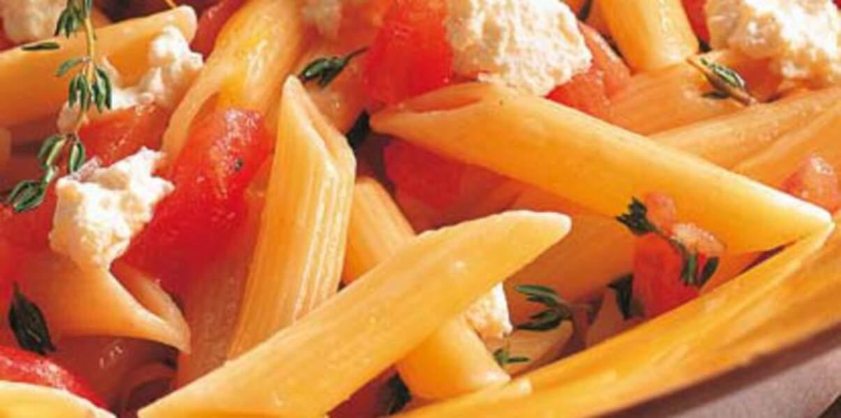 Penne au thym, tomate et ricotta