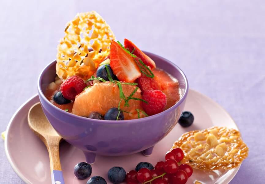 Le gaspacho de fruits, croustillants au thym