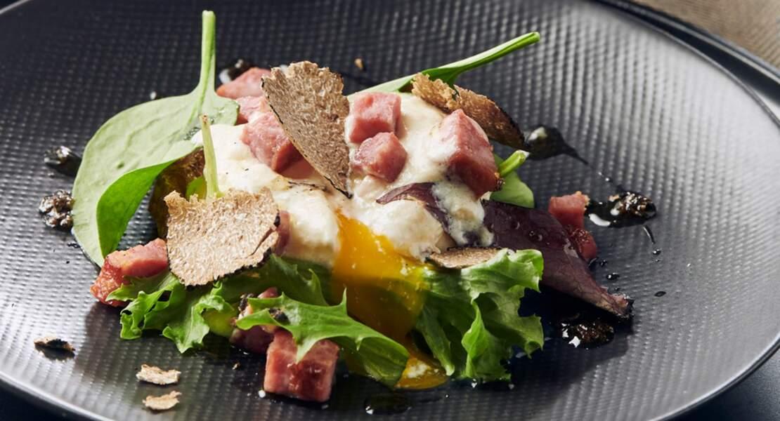 Œufs pochés, crémé de saucisse de Morteau et truffe de Bourgogne