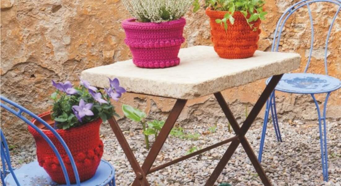 Des cache-pots colorés au crochet