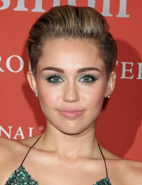 La coupe courte half hawk de Miley Cyrus