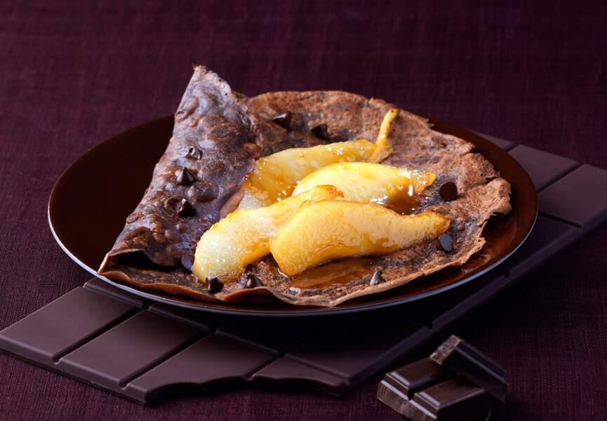 Crêpes cacaotées au confit de poires et noix