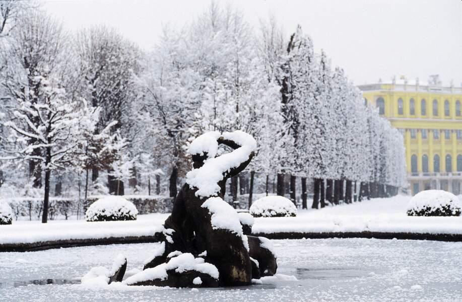 Fontaine du château de Schönbrunn en hiver