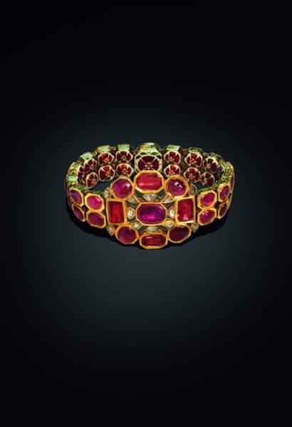 Bracelet en or, rubis et diamants (1750-1800)