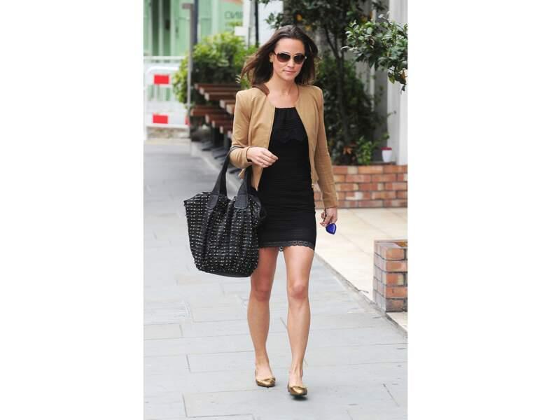 Pippa Middleton : le sac clouté version chic