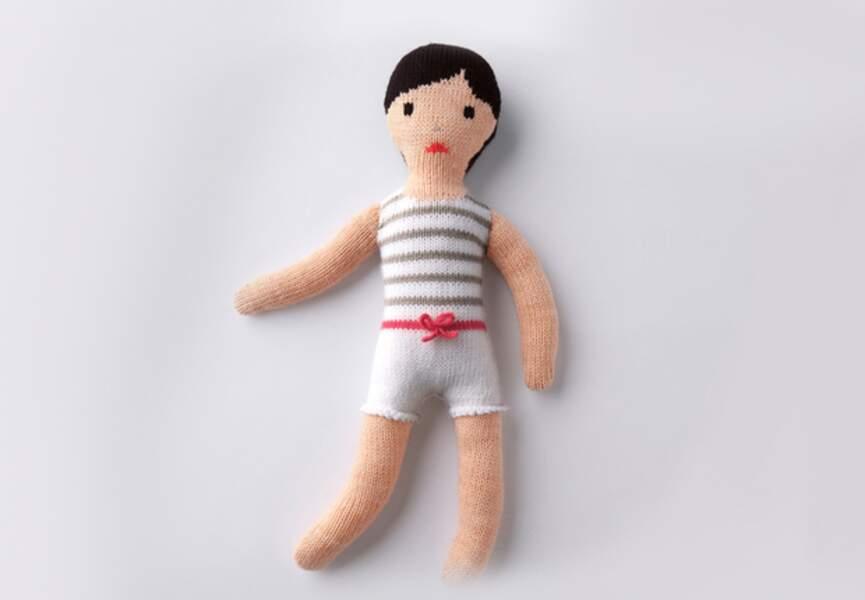 Une poupée petit mousse