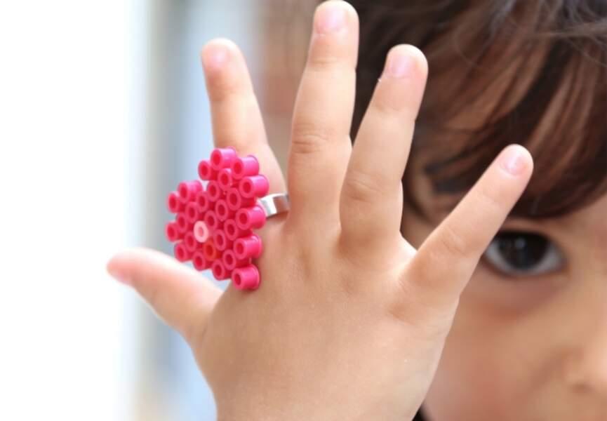 Une bague en perles Hama