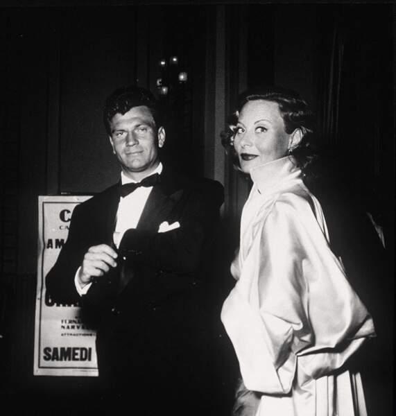 """En 1951 au bras de l'acteur Henry Vidal, son second mari, qu'elle a rencontré sur le tournage du péplum """"Fabiola"""""""