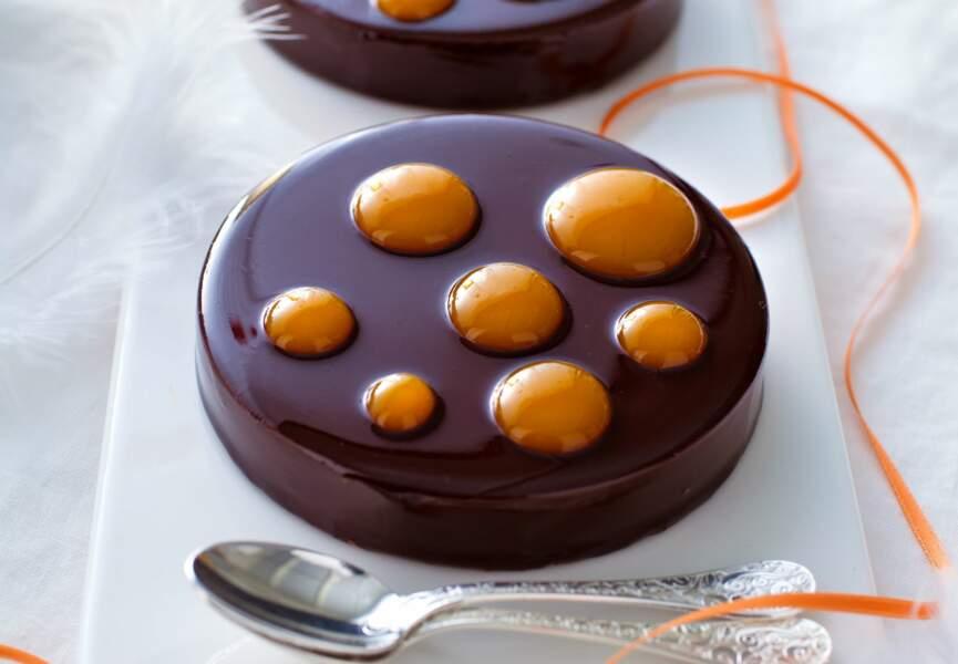 Mi-cuit, chocolat crémeux et coulis mangue-passion