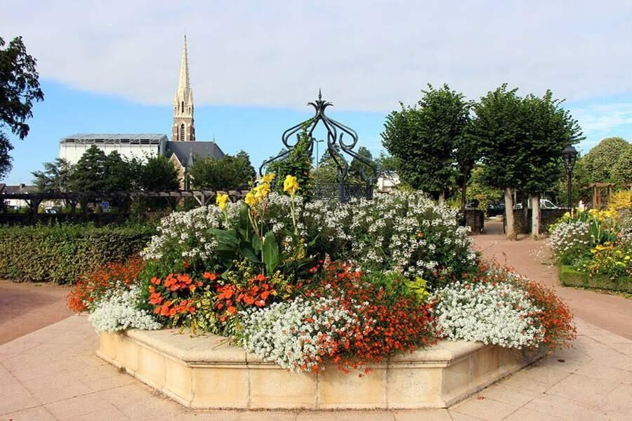 Cesson-Sévigné (Ille-et-Vilaine) gagne une quatrième fleur.