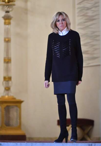Brigitte Macron en camaïeu de bleus