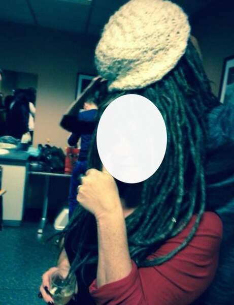 Qui se cache derrière cette chevelure ?