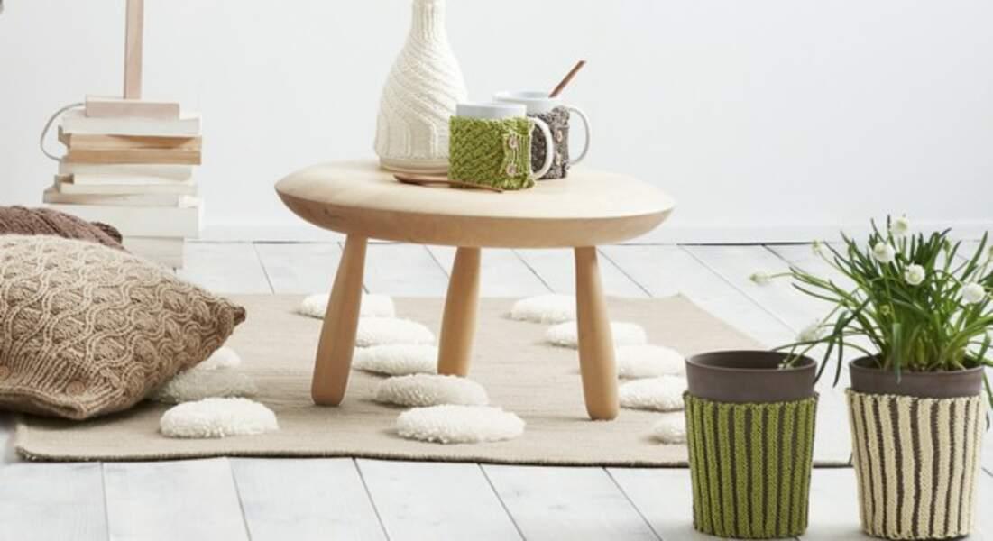 Des cache-pots bicolores tricotés