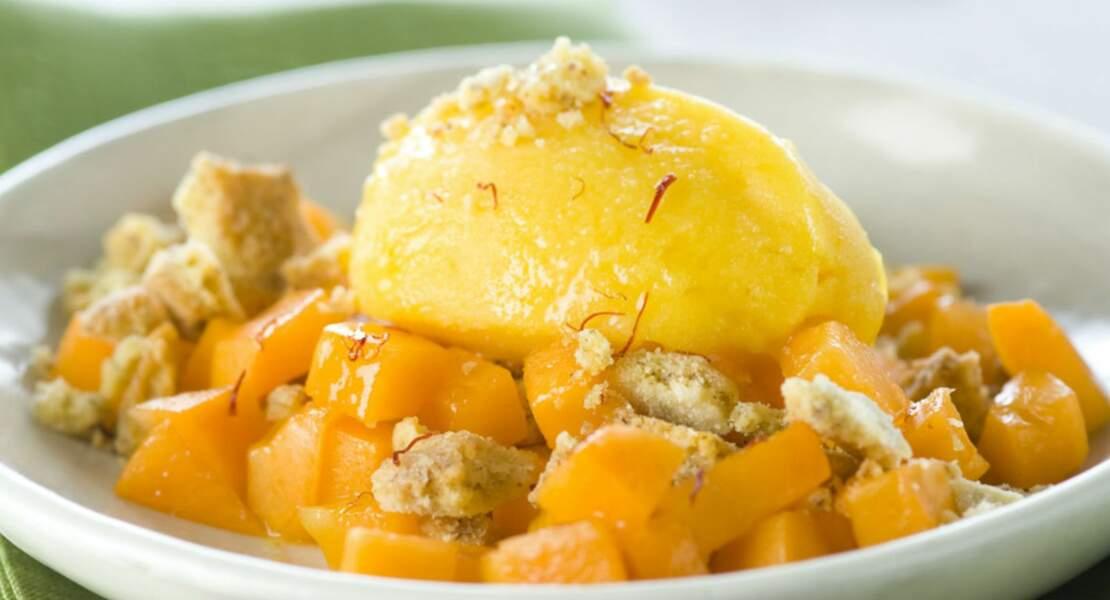 Crumble noisette sur lit d'abricot
