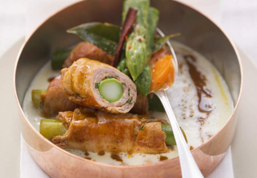 Roulés de porc épicés aux asperges