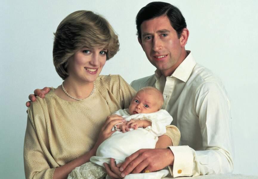 En 1982, Diana et Charles présentent leur premier fils, William né le 21 juin.