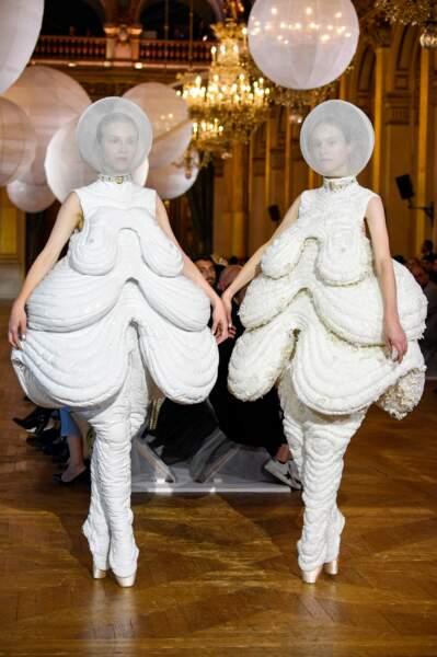 Les WTF de la fashion week : les robes bibendum
