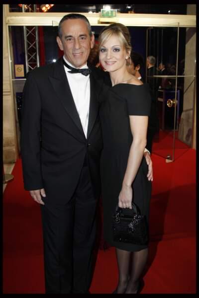 Thierry Ardisson et Audrey Crespo-Mara complices sur le tapis rouge des César (2012)